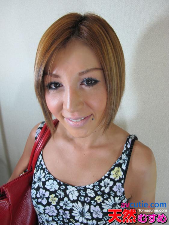 10musume.112211_01.Wakabayashi.Nozomi
