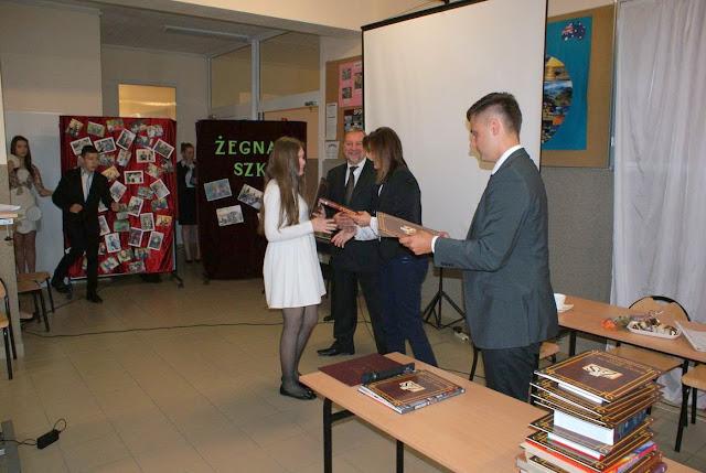 Pożegnanie klas 3 gimnazjum - DSC03113_1.JPG