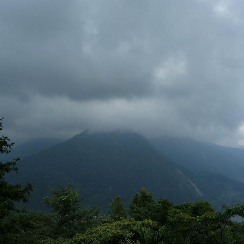 Puli  en passant , entre autres, par les villages de l ethnie Bunum de Loloko et Dili. J 10 - P1170135.JPG