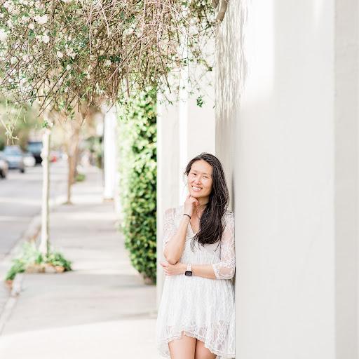 Lisa Scott Photo 48