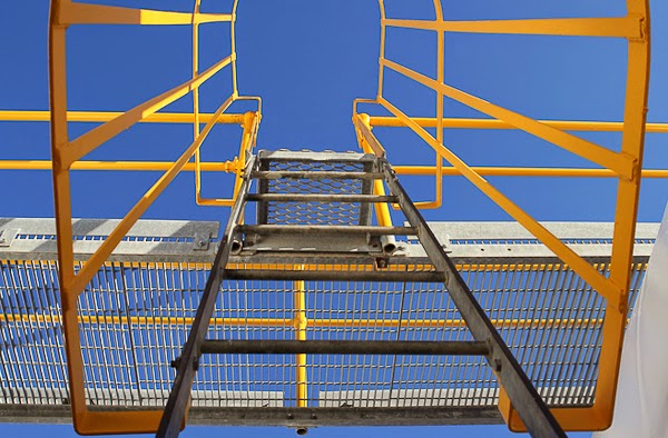 Galvanized Caged Ladder with Safety Yellow Cage