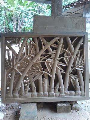 Relief roster motif bambu