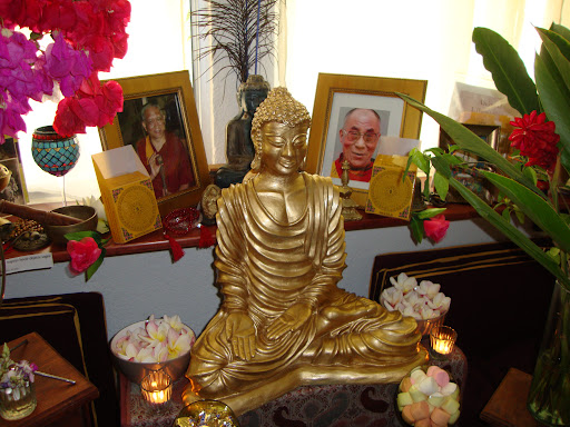 Norma Padilla, student of Vajrapani Tibetan Buddhist Study group, Huatulco, Mexico, arranged for the center to receive this statue of Buddha on February 22, 2012 (Tibetan New Year) after nine months of research at the suggestion of Ven. Lobsanga Dawa.