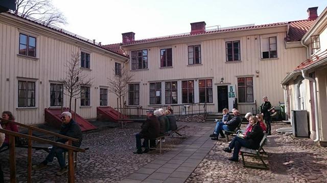 170325-03 Hemgården Innergård 1