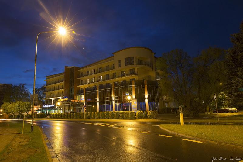 Kolobrzeg noca Budynki, budowle, architektura