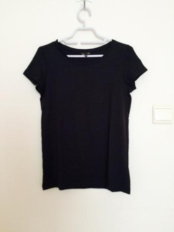5fb9c93807680f Ik heb een basic zwart T-shirt gekocht