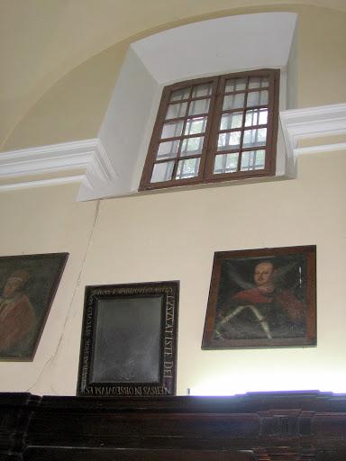 lustro Twardowskiego w zakrystii bazyliki