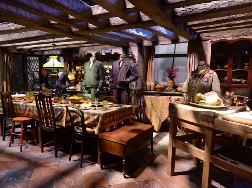 Weasley's Kitchen Harry Potter