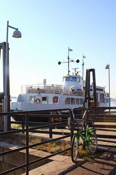 kauppatori boats dock harbour