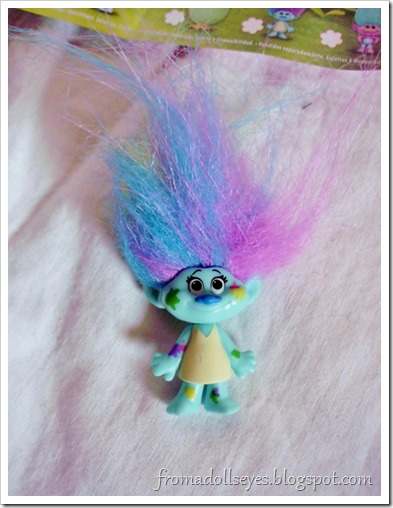 Trolls blind bag figure