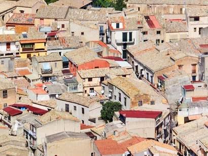 Unter diesen Dächern wohnen sie – die Sizilianer (Corleone)