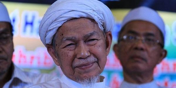 Duit Tak Cukup - Kisah Akaun Giro Almarhum Tuan Guru Nik Abdul Aziz.jpg