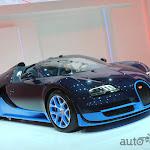 Bugatti Veyron Grand Sport Vitesse (5).jpg