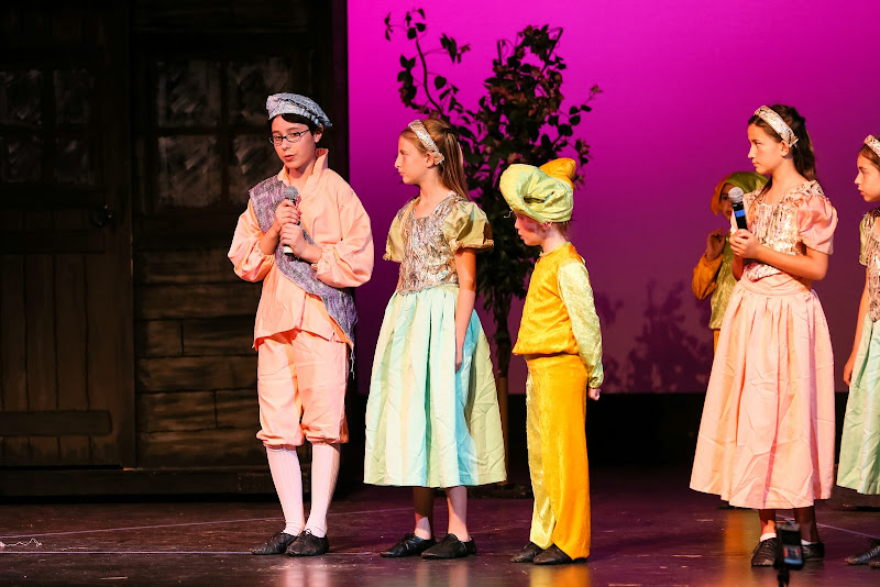 2014Snow White - 2-2014%2BShowstoppers%2BSnow%2BWhite-5644.jpg