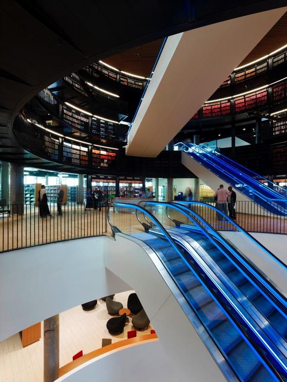 Library of Birmingham Book rotunda 1 photocredit Christian Richters