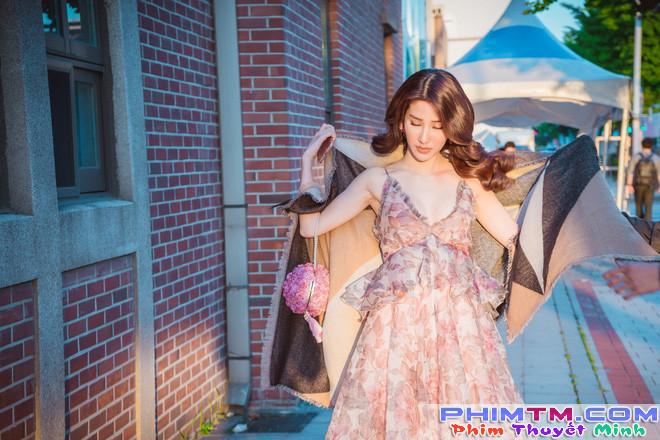 Diễm My 9x xinh đẹp và gợi cảm dự khai mạc liên hoan phim tại Hàn Quốc - Ảnh 9.
