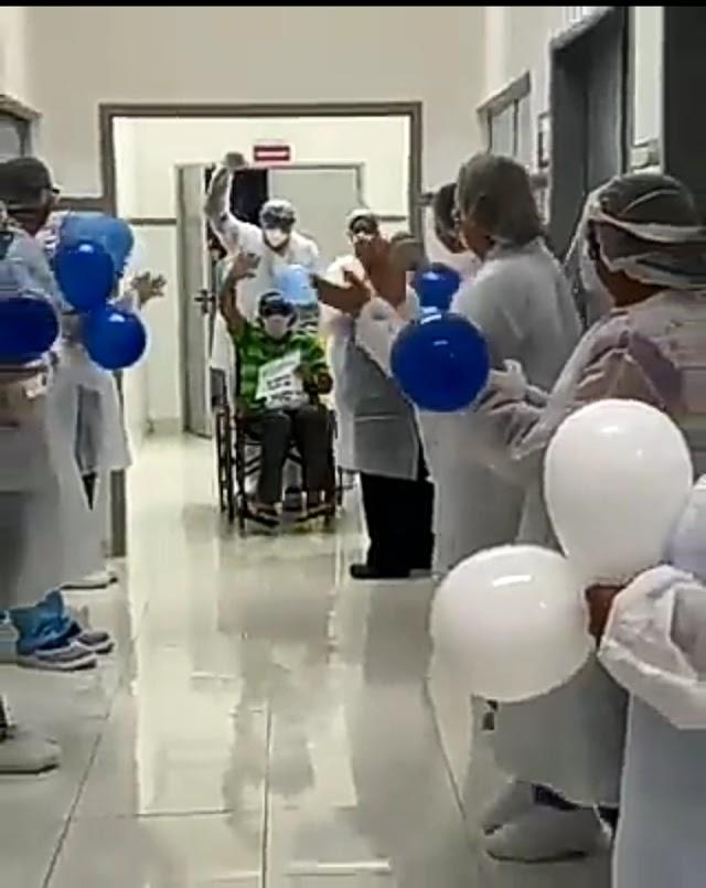 Emocionante: confira vídeo de primeiro paciente curado da Covid-19 no HREC em Afogados