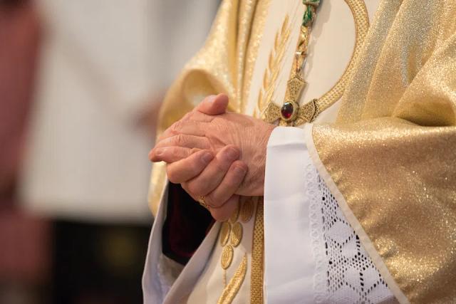 Vaticano expulsa a sacerdote mexicano acusado de seducir y acosar sexualmente a 7 mujeres