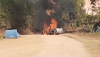 Carro pega fogo no município de Mundo Novo-BA