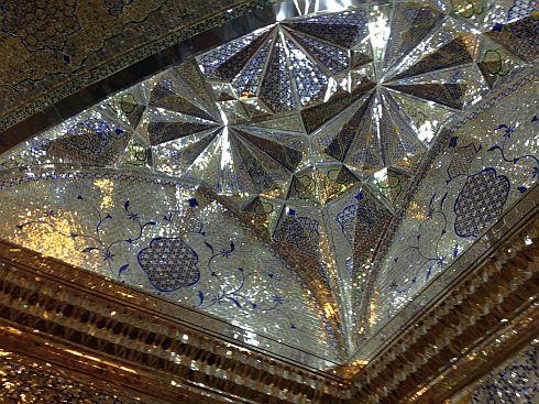 Spiegel-Ensemble im Heiligtum Schāh Tscherāgh