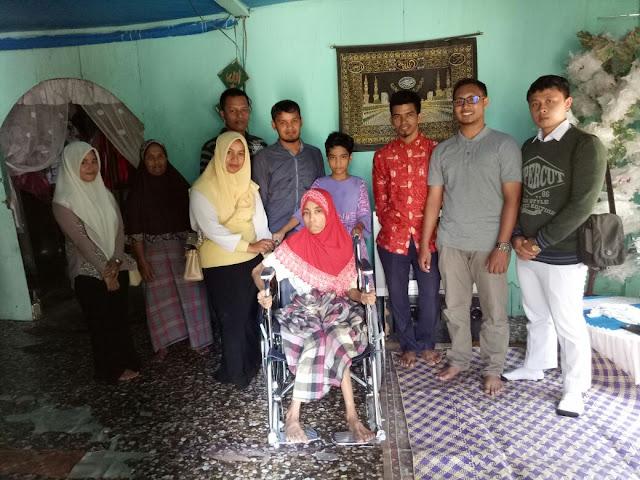 Lembanga Peduli Dhuafa Bantu Kursi Roda untuk Ibu Nafsah