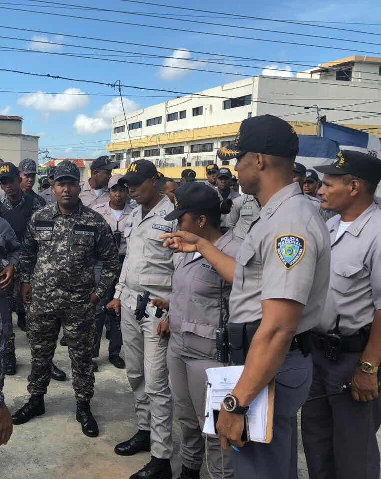 MIEMBROS POLICIALES SON DESTITUIDOS POR CONDUCTA INDEBIDA AL DEDICARSE A COBRAR PEAJES EN CALLES DE SANTIAGO