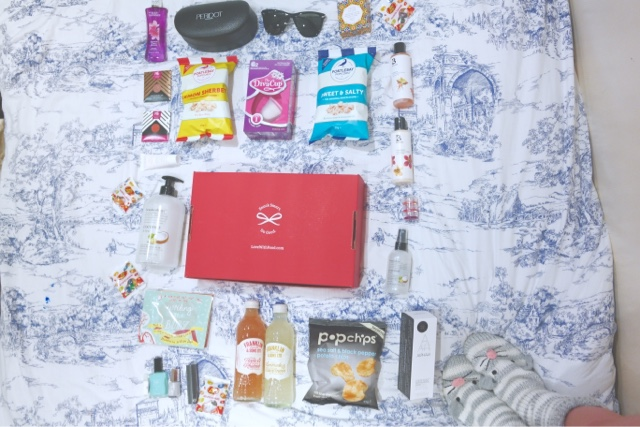 flat lay gift bag products