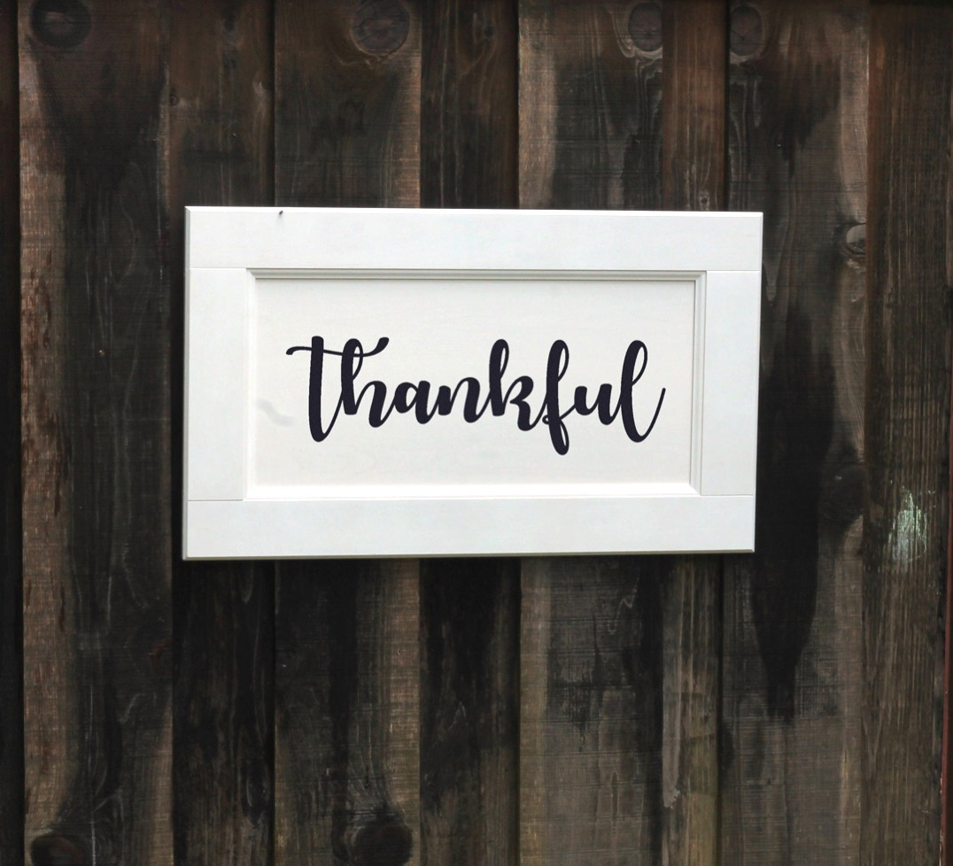 Thankful farmhouse sign