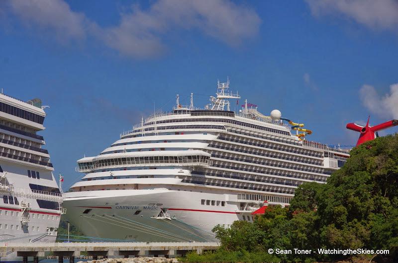 01-01-14 Western Caribbean Cruise - Day 4 - Roatan, Honduras - IMGP0878.JPG
