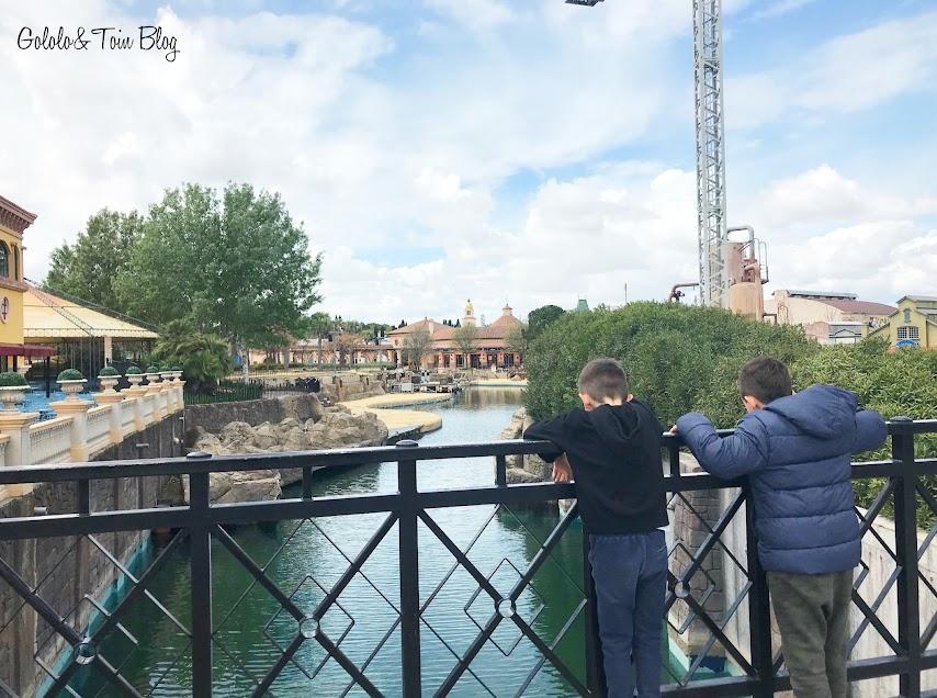 Ir con niños al Parque Warner de Madrid