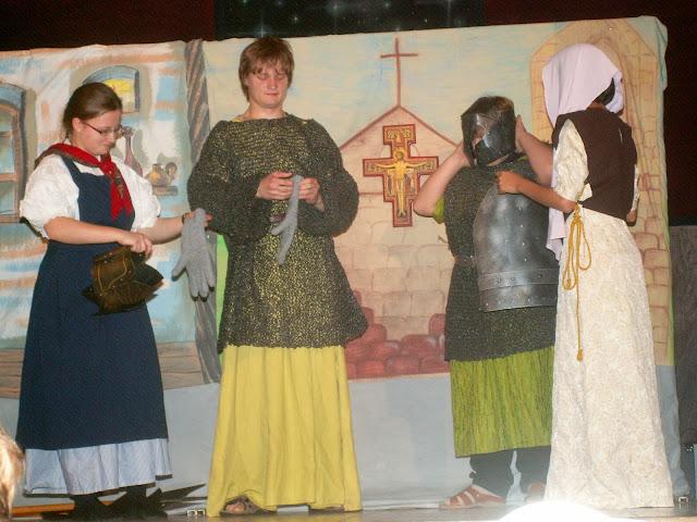 17.11.2013 Divadelní ztvárnění života SV. FRANTIŠKA Z ASSISI - PICT0026.JPG