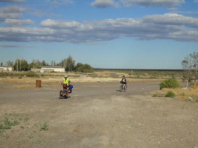 katarina+Ive 2 tarés a vélo
