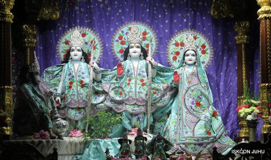 ISKCON Juhu Mangal Deity Darshan on 24th June 2016 (10)