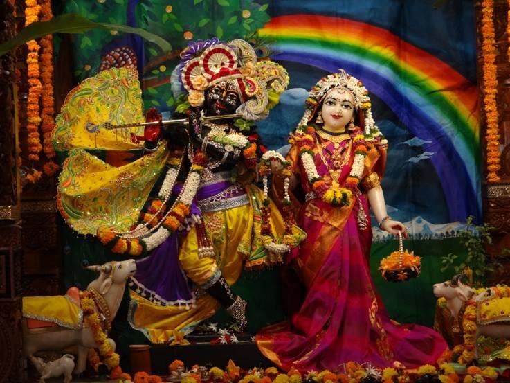 ISKCON Nigdi Deity Darshan 08 April 2016 (25)