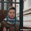 Даниелка пред Мадаровата къща в Самоков