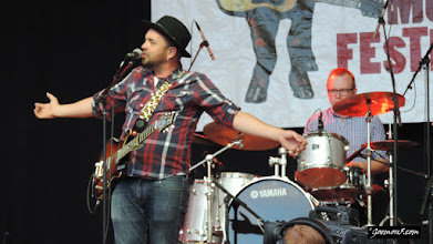 Photo: I'm not sure what to make of Hawksley Workman