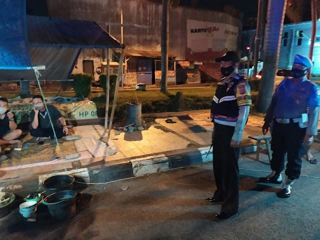 Kapolres Cirebon Kota Polda Jabar, Pastikan Pelaksanaan Ops Yustisi, Cegah Covid - 19
