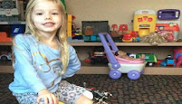 Cha mẹ làm con gãy chân ba lần một ngày để chữa bệnh