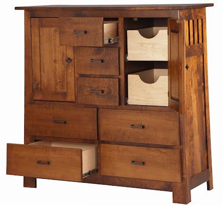 Teton Wardrobe Dresser in Iconic Maple