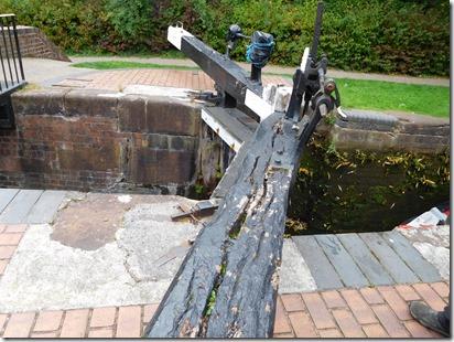 13 some stourbridge 16 gates are in poor condition