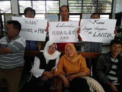 Unjuk Rasa Calon Kepala Sekolah Kabupaten Karawang Ditunda,Ini Dalihnya