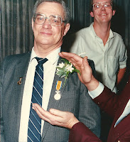 Monden, Gerardus Eremedaille Oranje-Nassau 1985 a.jpg