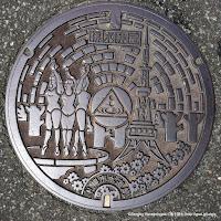 札幌市上水道排気弁室デザインマンホール蓋:テレビ塔・泉の象