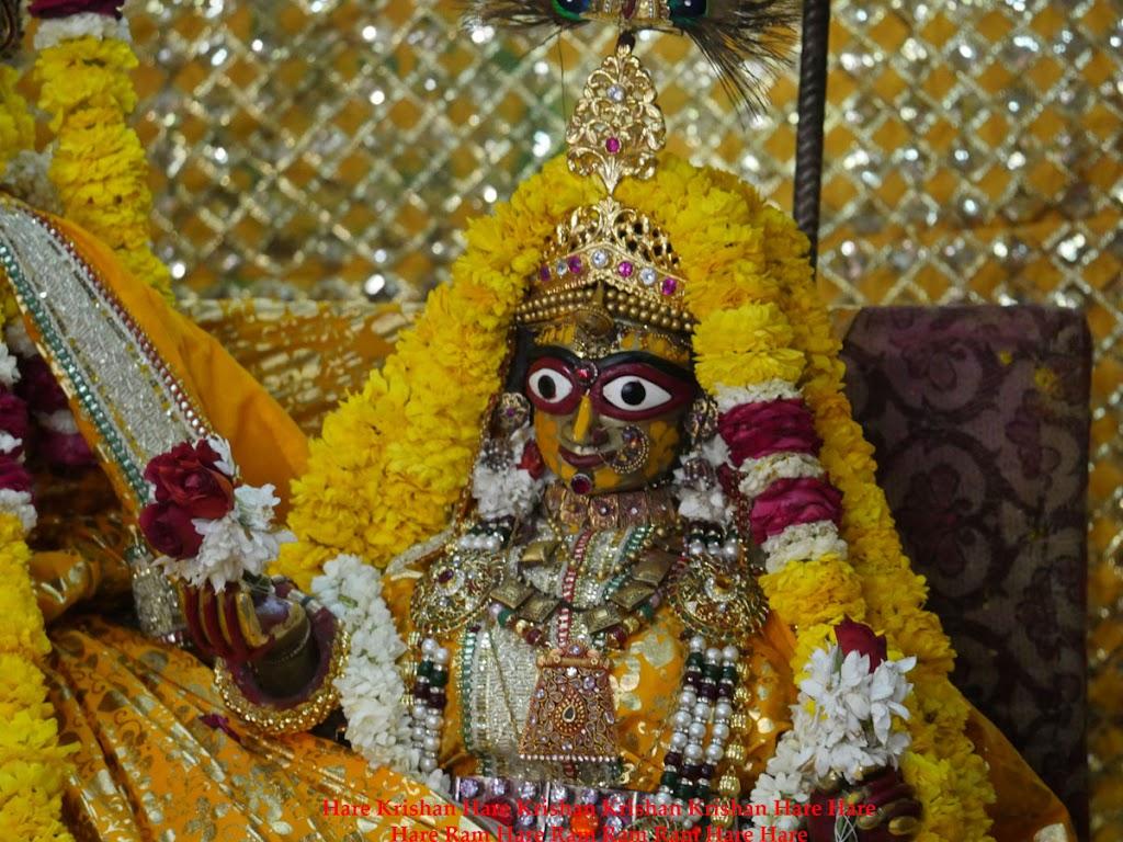 Radha Govind Devji Deity Darshan 28 Mar 2016 (15)