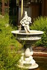 前庭の噴水(2010/8)