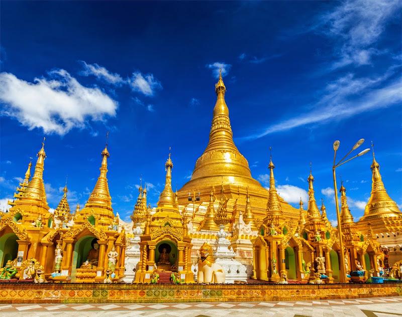 Shwe Dagon Pagoda in Yangon