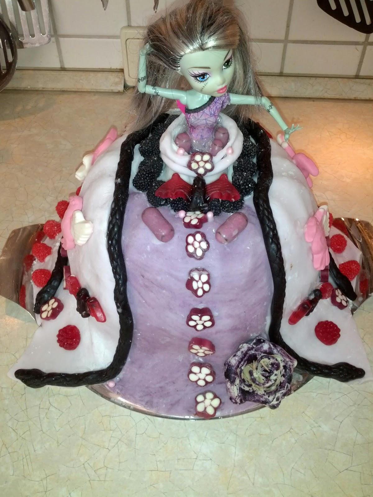 monster high barbie torte