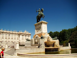Photo: #022-La Plaza de Oriente
