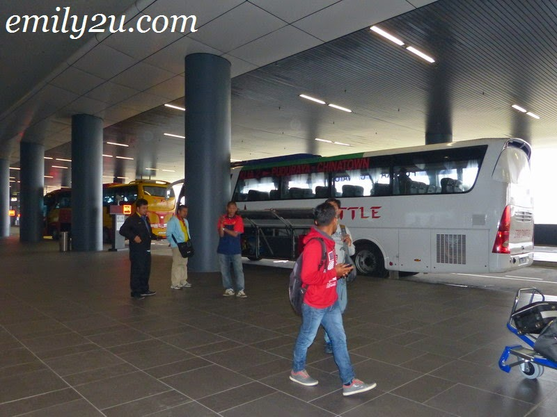 how to go to genting from klia2