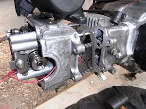 カブのエンジン分解、腰上